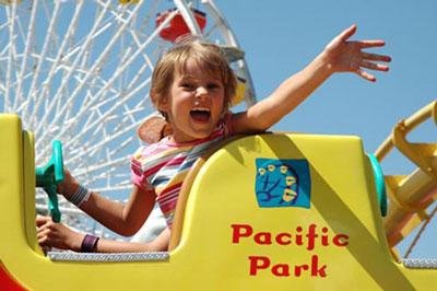 بازی کردن با کودک,پارک کودک