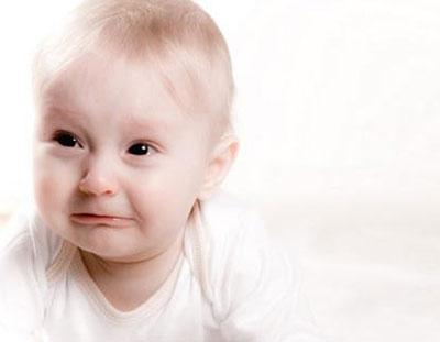 نوزادم مدام گریه میکند
