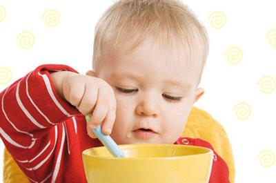 چرا نوزادان غذا نمی خورند