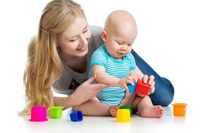 ازی کردن کودک,بازی با کودک در منزل
