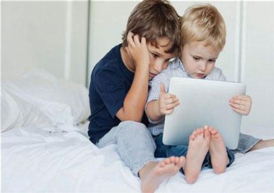 مضرات تبلت برای کودکان,فواید تبلت برای کودکان