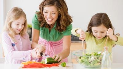 تغذیه کودک,تغذیه کودک سالم,تغذیه کودکان زیر 7 سال