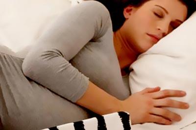 در زمان بارداري اينگونه بخوابيد