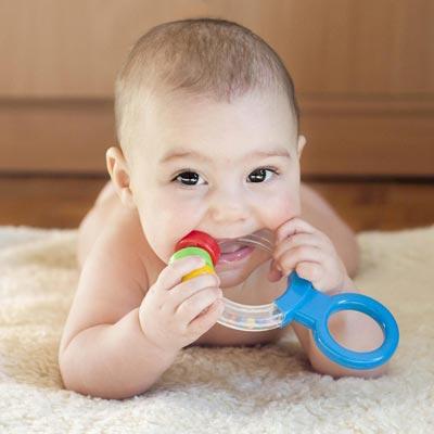 دندان در آوردن نوزاد و مراحل آن