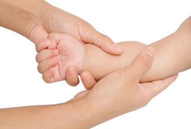 ماساژ کودک،انواع ماساژ کودک,فواید ماساژ کودک