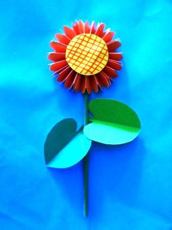 آموزش کاردستی به کودکان, کاردستی گل کاغذی