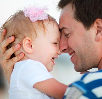 رفتار پدر با دختر بچه