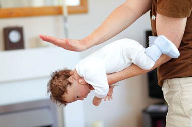 راههای جلوگیری از خفگی کودک,خفگی نوزاد
