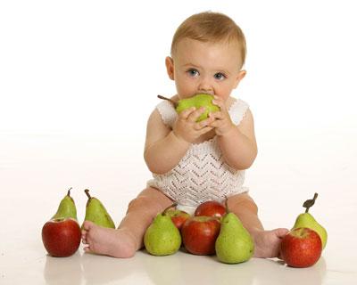 تغذیه نوزاد 9 ماهه,تغذیه نوزاد 10 ماهه,تغذیه نوزاد 4 ماهه