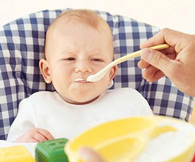 شروع غذای کمکی نوزاد