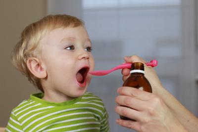 بهترین راه دارو دادن به کودک