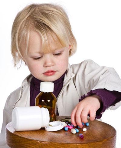 نحوه دارو دادن به نوزاد,خوراندن دارو به کودکان
