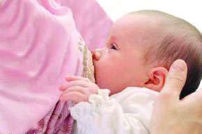ایمنی زنان شیرده از سه سرطان شایع زنانه /فقط 50 درصد نوزادان با انحصارا با شیر مادر تغذیه می شوند!