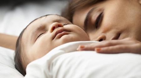 تعداد تنفس طبیعی نوزاد, تنفس نوزاد در خواب, تنفس نوزاد چگونه است