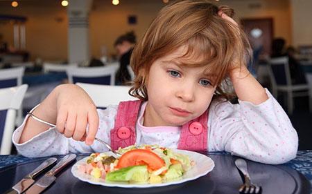 بچه هاي بد غذا,کودکان بد غذا,علل بد غذايي کودک