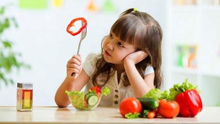 کودکان بد غذا,بچه های بد غذا,علل بد غذایی کودک