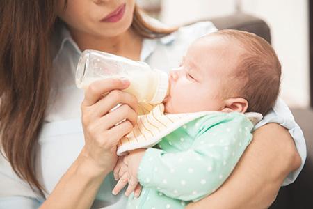 سکسکه نوزاد,علت سکسکه نوزاد,درمان سکسکه نوزاد