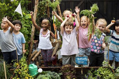 باغبانی کودک,باغبانی کودکان,فعالیت های مناسب برای کودکان