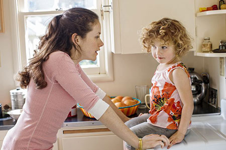 نحوه رفتار با کودک 4 ساله,رفتار با کودک 4 ساله,طریقه رفتار با کودک 4 ساله