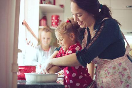 آشپزی کودکان,آشپزی با کودک,افزایش مهارت های کودک