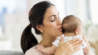 لالایی,فواید لالایی,لالایی برای نوزادان