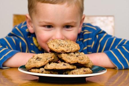 فواید بیسکویت برای کودکان,عوارض بیسکویت برای کودکان,بیسکویت مخصوص کودکان