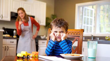 راهکارهایی برای تشویق کودک به حرف گوش کردن,روشهایی برای  تشویق کودک به حرف گوش کردن,حرف شنوی کودک