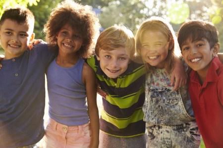 کودکان برون گرا,کودکان برونگرا,مشخصات رفتاری کودکان برون گرا
