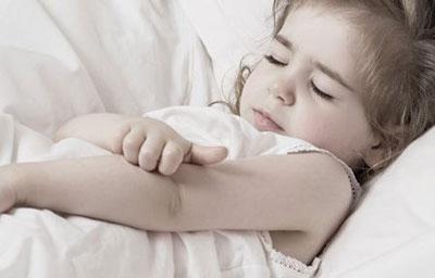 خارش پوست کودک,دلایل خارش پوست کودک,علت خارش پوست کودک