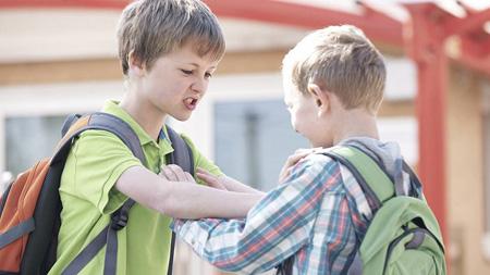 علل اختلالات رفتاری در نوجوانان