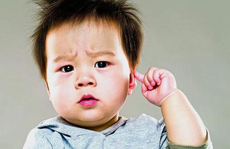 علائم عفونت گوش میانی در کودکان + روشهای درمان خانگی