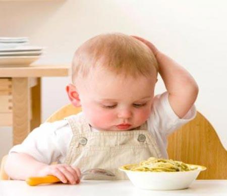 غذای کودکان,میزان غذای کودک 1 تا 1 و نیم ساله,میزان خواب کودکان