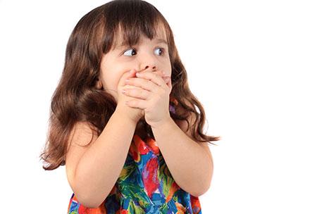 ریشه های ترس در کودکان و نحوه رفتار با کودک ترسو