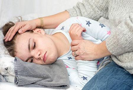 علت تب کودکان,علت پایین نیامدن تب کودک