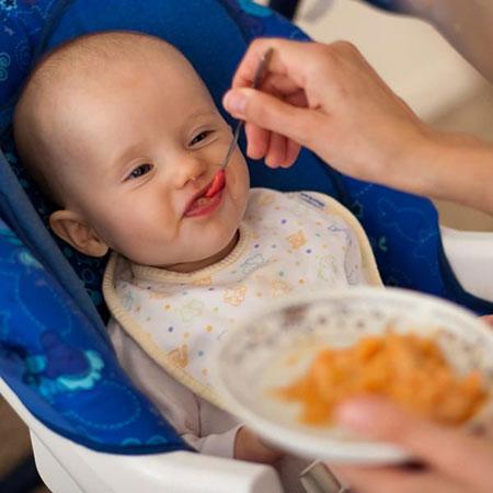 تب نوزادان,درمان تب نوزادان,غذاهای مناسب برای تب کودکان