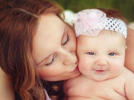 نوزاد 4 ماهه,مهارت های نوزاد 4 ماهه,چگونگی رشد نوزاد 4 ماهه
