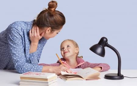 تنبلی در نوشتن تکالیف, علت انجام ندادن تکالیف مدرسه, کمک به کودکان در انجام تکالیف مدرسه