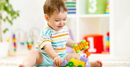 نوزاد 10 ماهه,تغذیه نوزاد 10 ماهه,مهارتهای نوزاد 10 ماهه