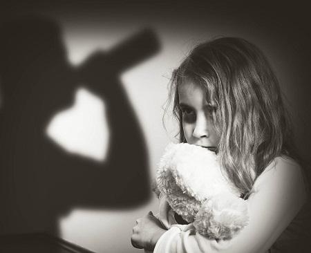 علت بی توجهی والدین به کودکان, عواقب بی توجهی به کودکان, بی توجهی کودک به اطرافیان