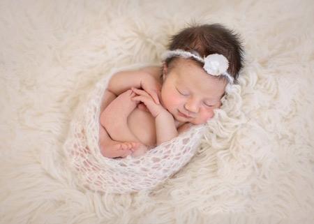 نوزاد یک ماهه,رفتار با نوزاد یک ماهه,همه چیز در مورد نوزاد یک ماهه