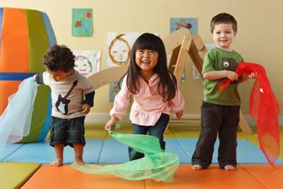 بازی های مناسب کودکان، سه تا شش سالگی