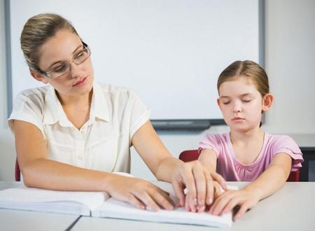 کودک نابینا,تربیت کودک نابینا, نحوه رفتار با کودکان نابینا