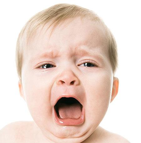 جیغ زدن,علل جیغ زدن بچه ها,دلایل جیغ زدن کودک