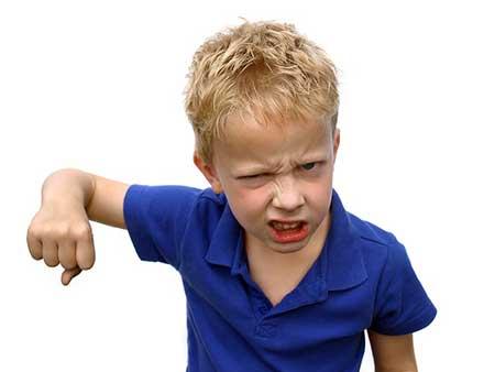 خودزنی در کودکان,علل خودزنی در کودکان,دلیل خودزنی در کودکان