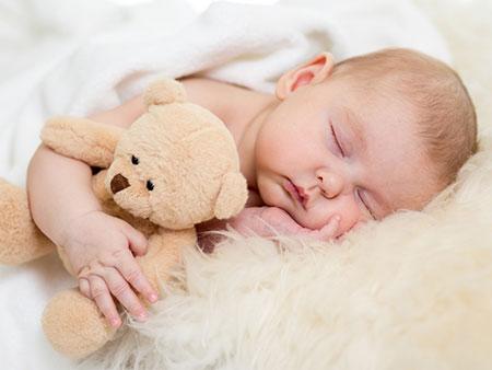صدای سشوار و جارو برقی برای نوزاد,فواید صدای سشوار و جاروبرقی برای نوزاد