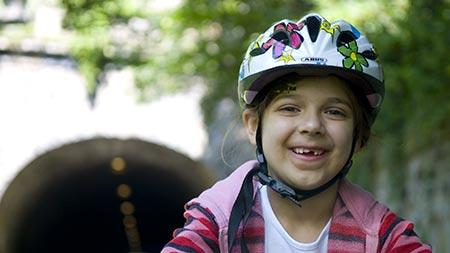 آموزش دوچرخه سواری به کودکان,اصول دوچرخه سواری به کودکان,انتخاب کلاه ایمنی