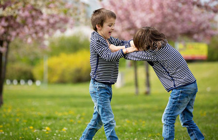 تربیت کودکان دوقلو,راهکارهایی برای تربیت کودکان دوقلو,روشهایی برای تربیت کودکان دوقلو