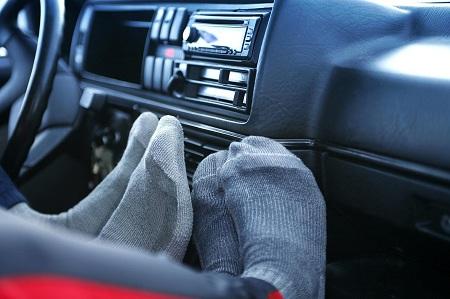 انتشار بوی بد از بخاری خودرو , دلایل گرم نشدن بخاری اتومبیل , گرم نشدن بخاری خودرو