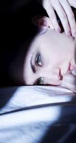 صفحه نمایش مناسب در شب , آسیب های نور آبی صفحه نمایش