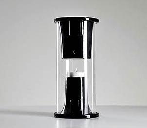 اسپیکري که با یک شمع روشن میشود